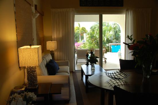 Meads Bay Beach Villas: View out of living room