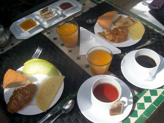 La Maison de Tanger: Le petit déjeuner tout frais de la maison