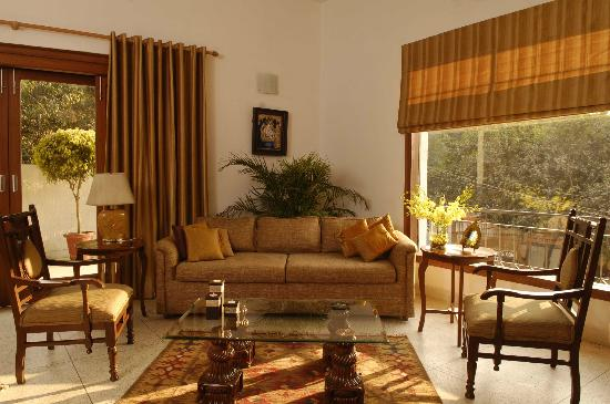 Thikana : Living room