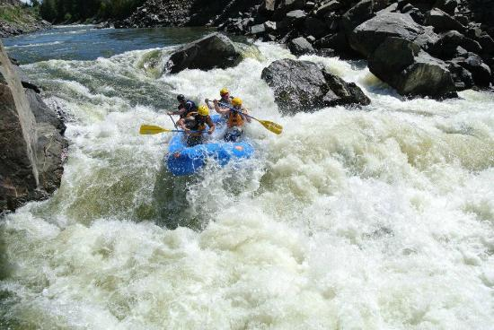 Liquid Descent Whitewater Rafting: Gore Canyon - Apple Sauce section