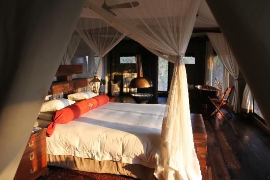 Zarafa Camp: Our bedroom
