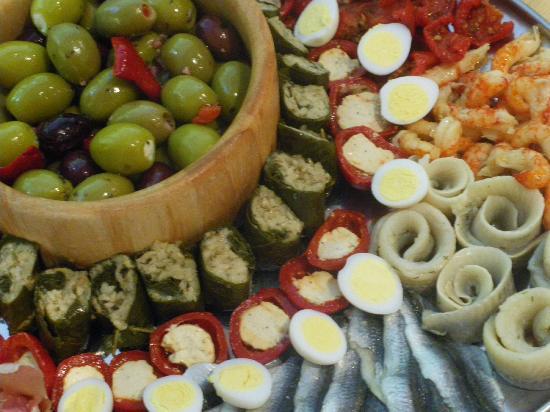 The Brixham Deli: Outside catering antipasta platter