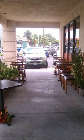 Sonio's Cafe : Outside Seating