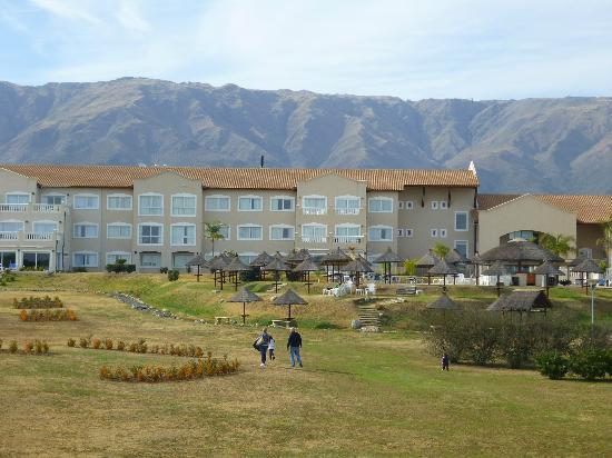 Howard Johnson Hotel Resort Villa de Merlo : Vista del parque del hotel