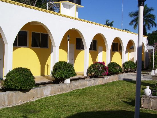 Felipe Carrillo Puerto, Mexico: getlstd_property_photo