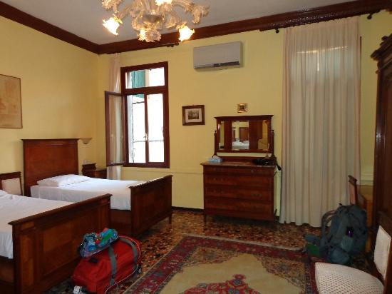 Bed and Breakfast Corte Campana: Wonderful Room at Terrific Location