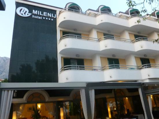 Milenij Hotel: Front of Hotel