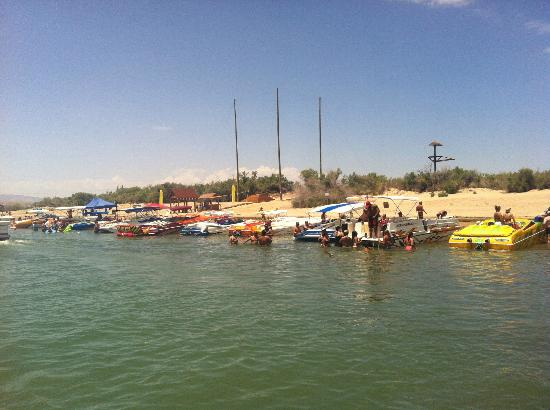 Super 8 Lake Havasu City: Fun on the lake 2012
