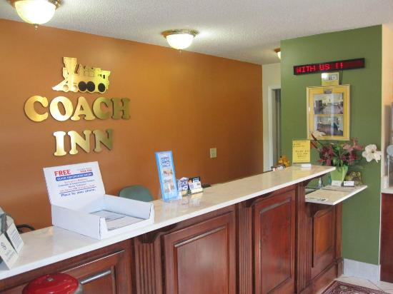 Coach Inn: Front Desk