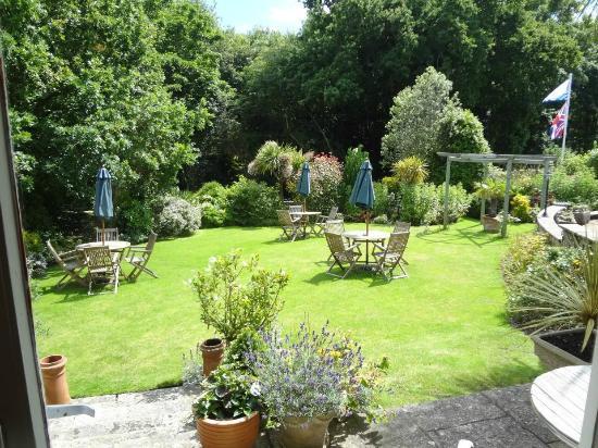 The Fernbank: Front Garden