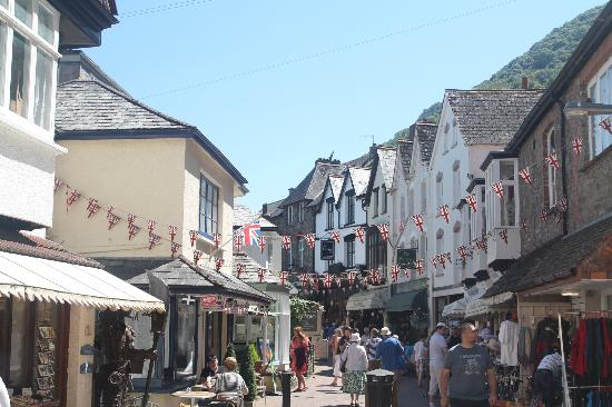 Castle Hill Guest House: Shops in Lynmouth!