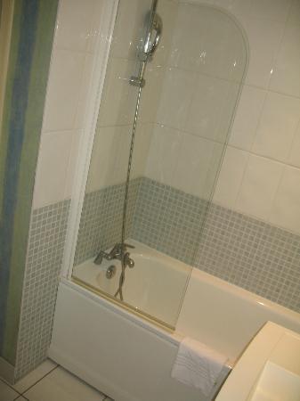 Mercure Beaune Centre : Banheiro Padrão Mercure