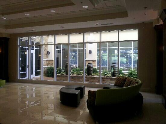 Hilton Garden Inn Dalton : Holiday Inn Hotel Lobby