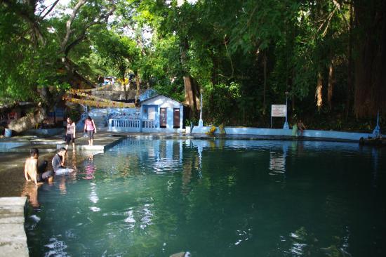 Tuburan, Filippinene: The big pool, and toliets