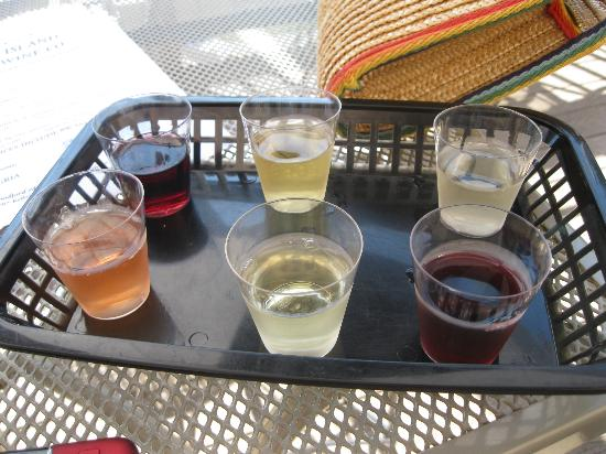 Kelley's Island Wine Company: The wine sampler @ Kelle's Island Wine Co