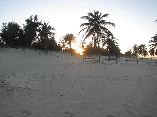Vila Gale Cumbuco: Sunset seen from the beach