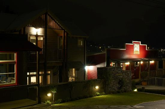 The Dairy Private Hotel: Dairy at Night