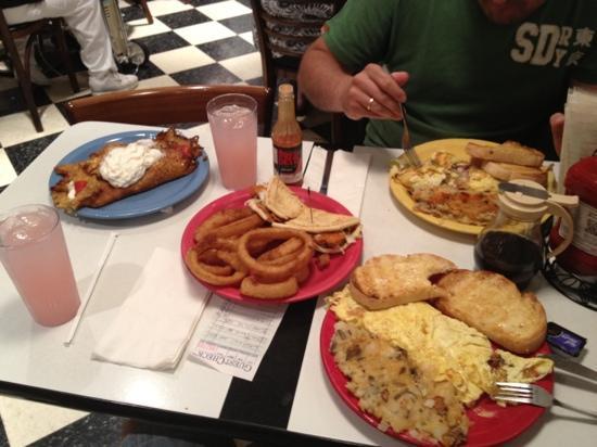 Pamela's : pancakes and omeletes