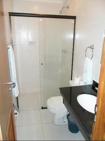Soneca Plaza Hotel: Banheiro