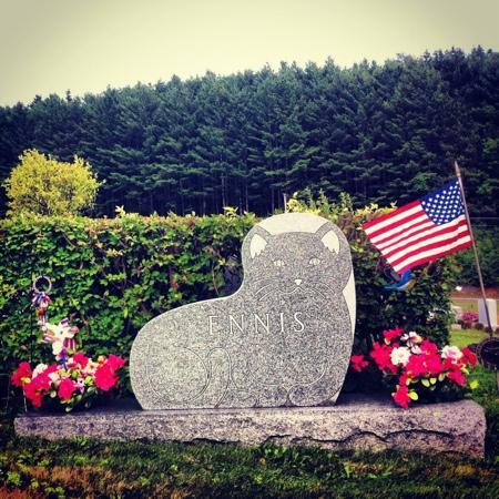 Hope Cemetery: Cat headstone