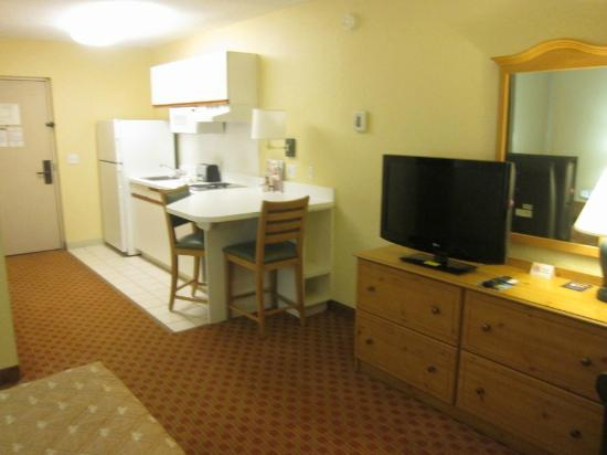 Extended Stay America - Orlando - Southpark - Equity Row: Kitchen