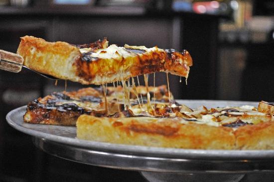 The Turning Point Restaurant: BBQ Chicken Pizza