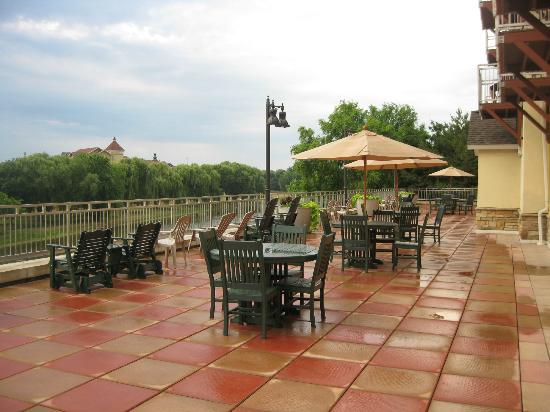 The Marv Herzog Hotel: Patio overlooking Cass River