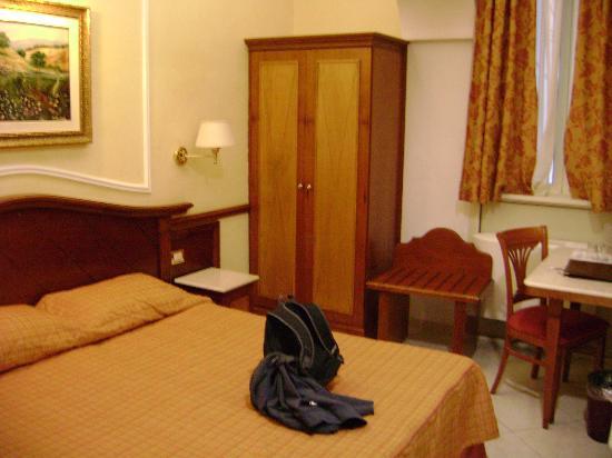 โรงแรมฮิเบอเรีย: Habitacion