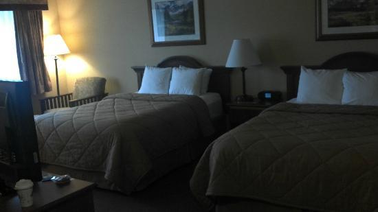 Quality Inn Estes Park: beds very comfortable