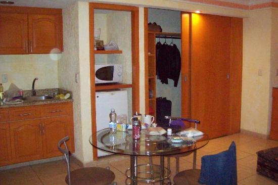 Hotel Puerta Del Sol: Junior suite