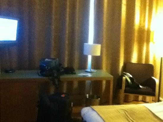 Holiday Inn Helsinki-Vantaa Airport: workdesk