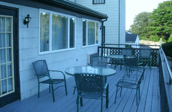 The Carriage House Inn, an Ascend Collection hotel: Outdoor veranda