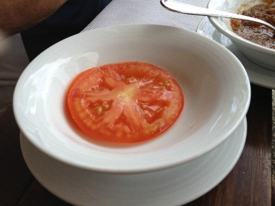 Mayan Palace Acapulco: Haha, the tomato they wanted to charge me with, 38 extra pesos!