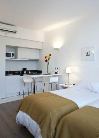 cocina/barra comedor Studio - Picture of Rental Suites Pilar, Pilar ...