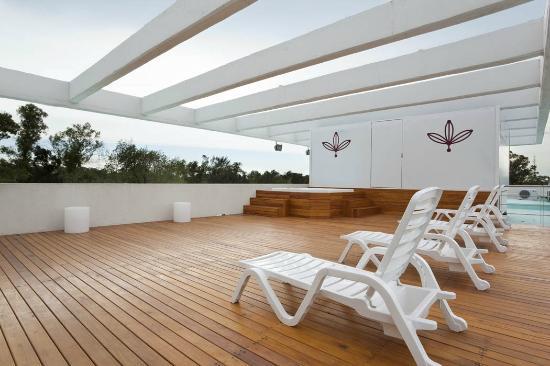 Solarium jacuzzi azotea fotograf a de rental suites - Jacuzzi en terraza ...