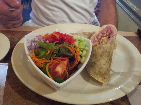 MT's Local Kitchen & Wine Bar: Awesome salad and an Italian Wrap
