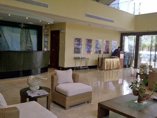 The Lighthouse Marina Resort: lobby & reception area