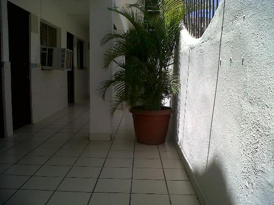 Hotel Melida: Pasillos