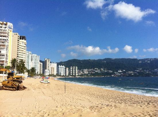 Elcano Hotel: Amazing Beach