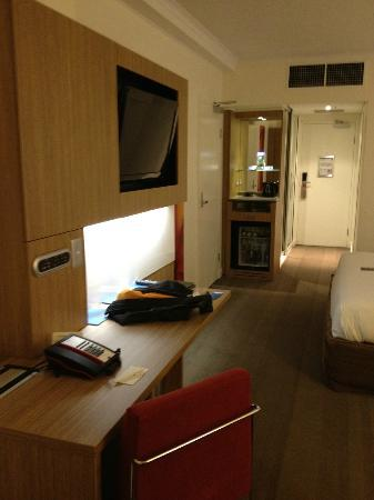 Novotel Brisbane: The room