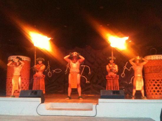 Legends of Hawaii Luau: Launch of the luau
