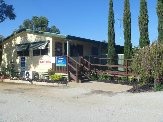 BIG4 Tocumwal Tourist Park: Front Office
