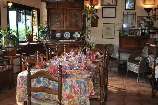 la table d 39 h tes foto van la grange fleurie vernet les bains tripadvisor. Black Bedroom Furniture Sets. Home Design Ideas