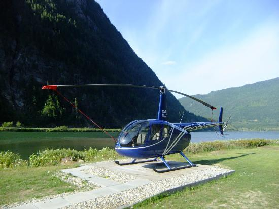 Three Valley Lake Chateau & Ghost Town: Helicopter Tours