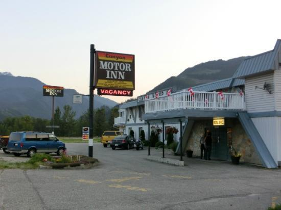 Canyon Motor Inn: 外観