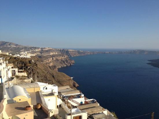 Ilioperato Traditional Apartments: The view towards Fira