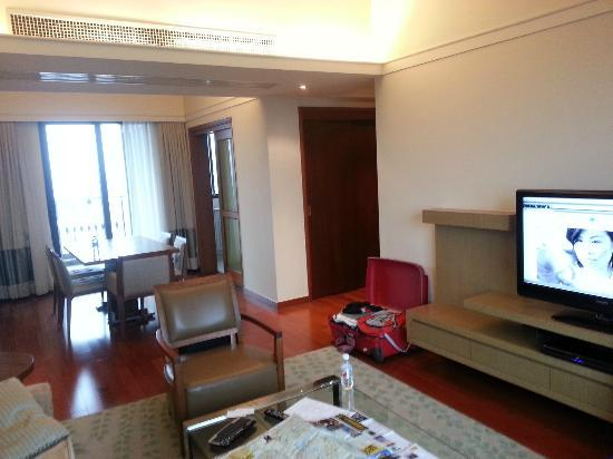 Lanson Place Jin Qiao Serviced Residences: sitting room area