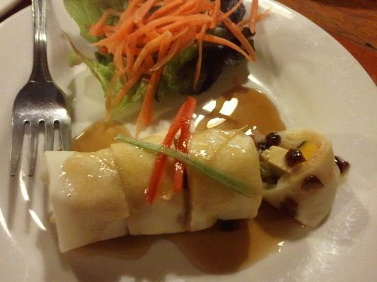 Thai Tha Hai: Innovative fresh spring rolls with pumpkin and tofu - only $3