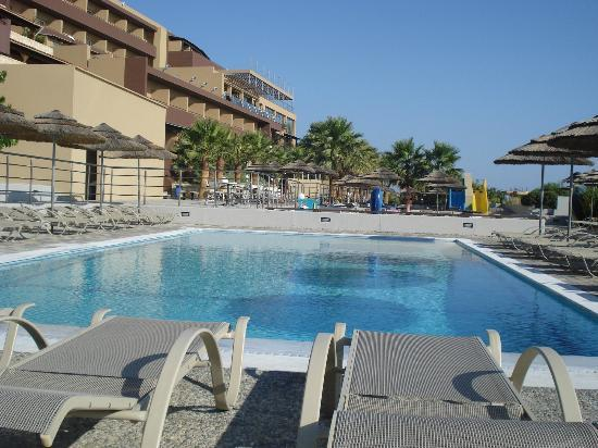 Blue Bay Resort Hotel: Vue de la troisième piscine.