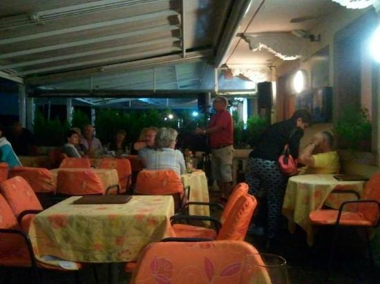 Hotel all'Ancora: Evening entertainment was superb